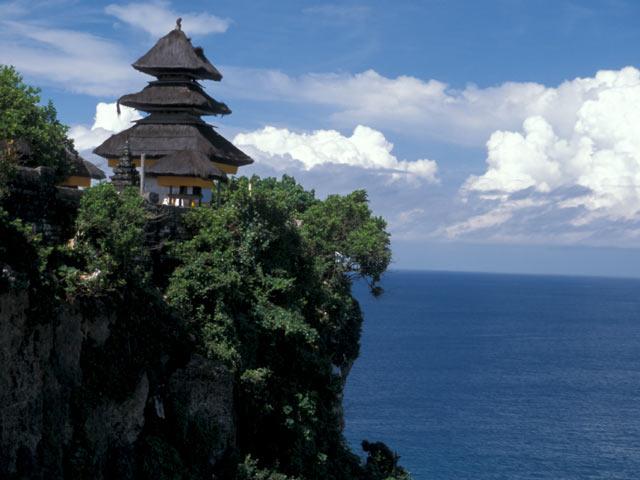 Pura-Luhur-Uluwatu-Bali-Indonesia