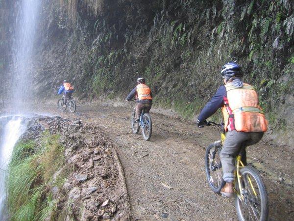 Ciclismo na Estrada da Morte